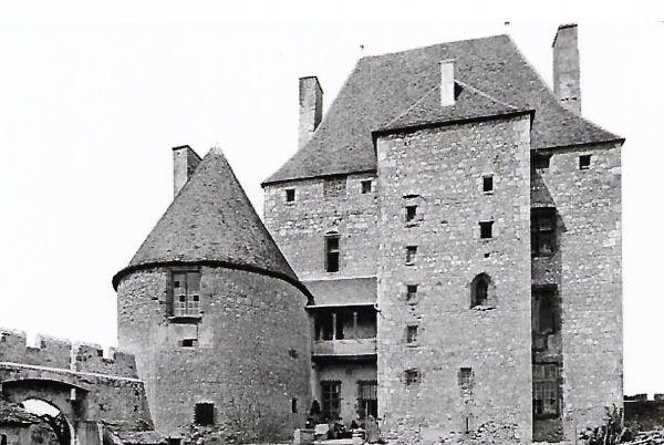 Carte postale ancien photo château de Fourchaud